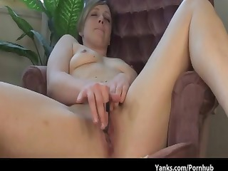brunette receives naked in the chair to rub out