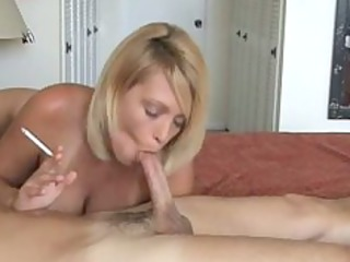 sexy blonde d like to fuck smoke and gives hot