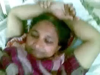 aged indian maid showing her choot for licking to
