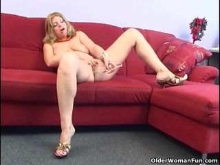 aged housewife with big mounds is dildoing her