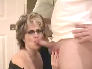 older wife with large pointer sisters facial