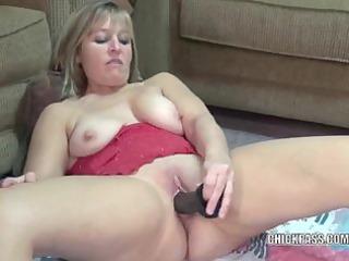 curvy housewife liisa copulates a large dark