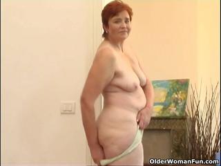 32 year old granny masturbates her lovely matured