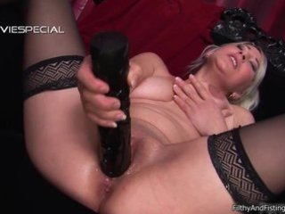 lustful mother i receives fist screwed