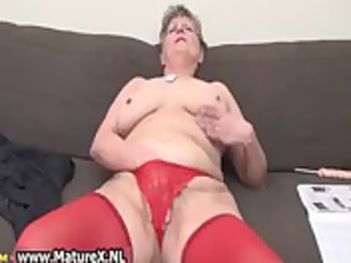 mature woman in hot red nylons