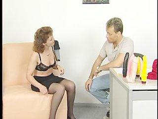 brunette mamma gets screwed during interview
