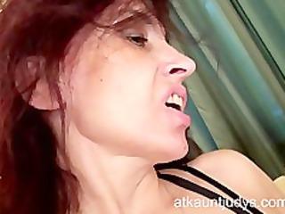 mature karolina shows off her sexy underware and