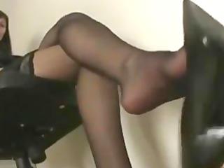 shoe/leg/feet tease in pretty nylon nylons