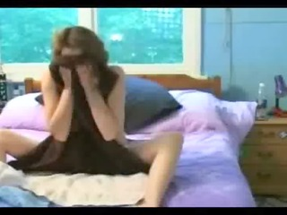 hidden web camera mommy squirting in her daybed