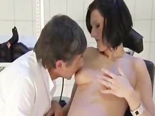 doctor fucks a preggo wife (dialogue in german)