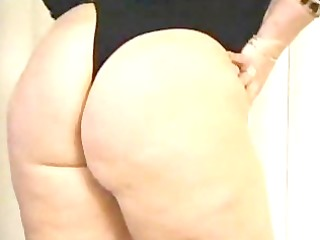 plumper can dong and gets cum on her face