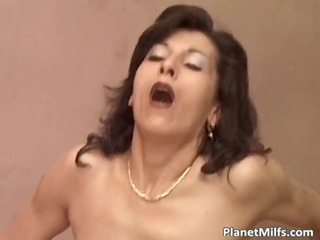 old slutty bitch getting her unshaved pussy