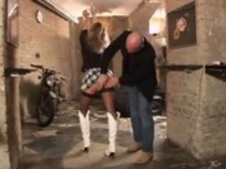 &raquo_ mature wench wife punished by gang