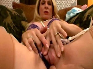 aged d like to fuck can dick and craves to engulf