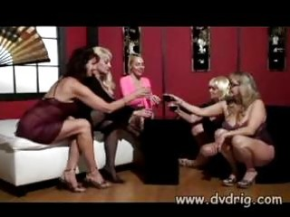 older wenches dana hayes raquel devine and
