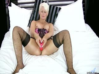 golden-haired cougar sex toy masturbation